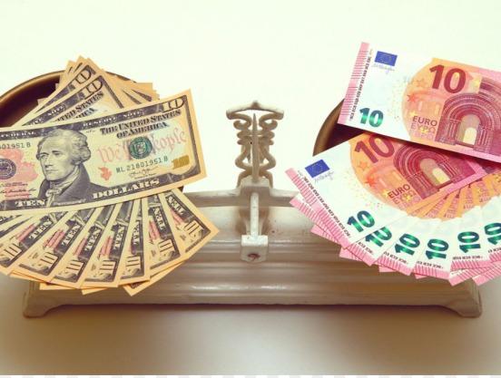 kisspng-euro-dollar-united-states-dollar-foreign-exchange-euro-5ab6ea8936afa5.517335881521937033224